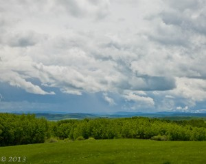 In this image, the horizon is placed at the lower thirds level because the clouds are the more important aspect of this scenic shot.